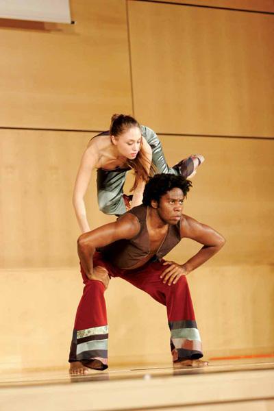 Kiro Urdin - Planetarium Dance _ 35